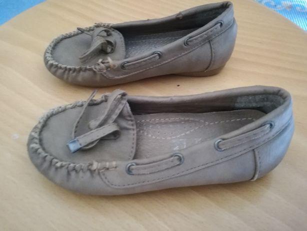 Sapatos de menina