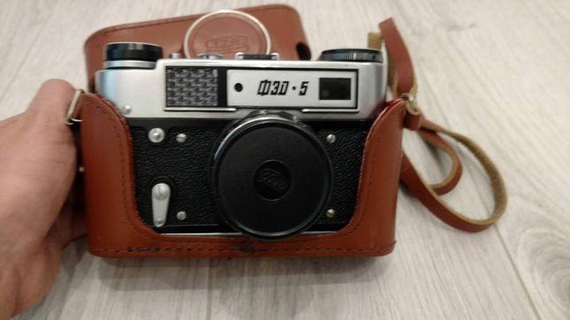 Stary ruski aparat fotograficzny FED-5.Plus etui.