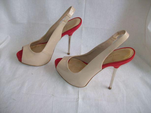Zara szpilki beżowe lakierki sandałki platforma 38