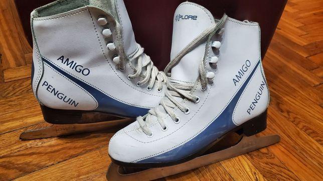 Детские коньки и лыжные ботинки