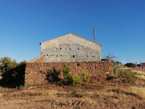 Casa/Quinta com 2 hectares de terreno