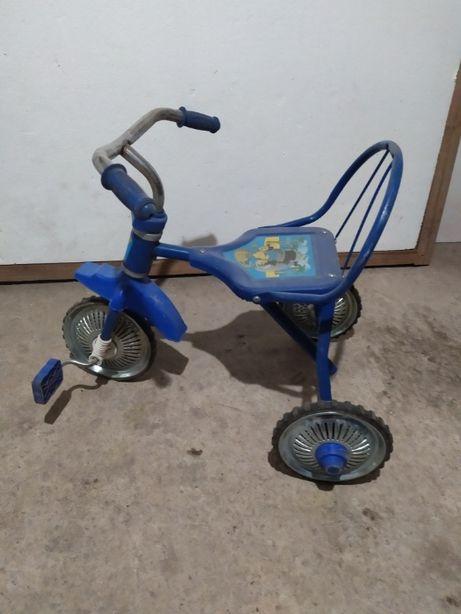 продам трехколесный велосипед Б/У