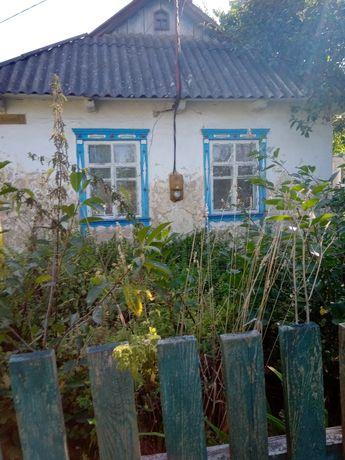 Продается срочно глиняная хата в живописном селе