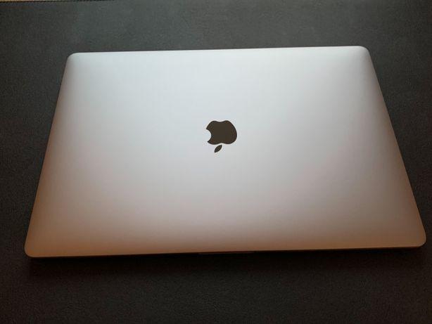 Prawie nowy MacBook Pro 15 i7 2,6 GHz 16GB RAM 512 SSD AMD Radeon 2018
