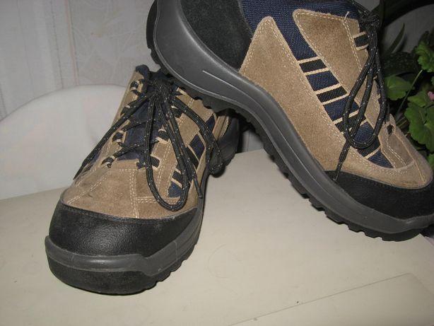 Термо кроссовки кожаные на высокой мощной подошве, р42, ст 27,5см
