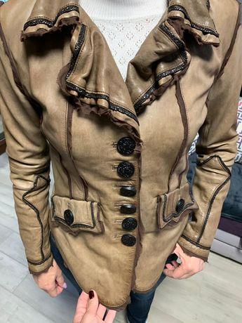 Кожаная куртка,курточка,пиджак