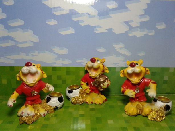 Набор статуэток тигры футболисты с подставкой для свечи