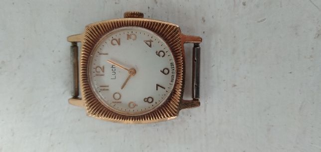 Часы механические женские б.у. Луч
