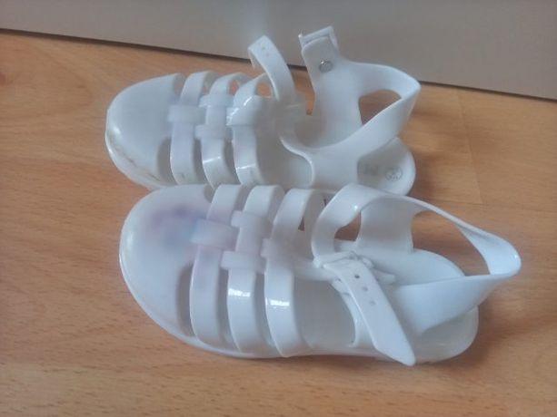 Gumowe sylikonowe sandały sandałki rozm 25