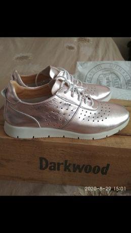 Новые кожаные летние кроссовки
