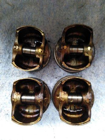 Поршня, Комплект сцепления б/у Skoda Octavia двигатель BFQ 1,6 Шко
