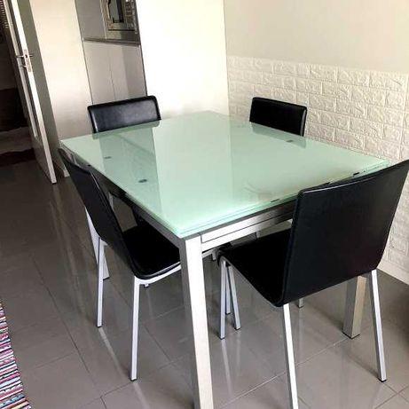 Mesa Vidro Extensível com 4 Cadeiras
