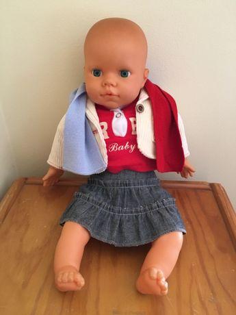 Boneca tipo Nenuco