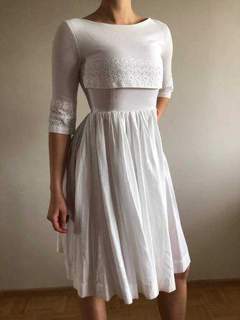 sukienka, lata50, vintage, rozkloszowana, biała, haftowana