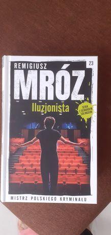 Ksiazka Iluzjonista Remigiusza Mroza