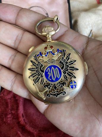 Золотые карманные часы