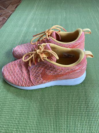 Продам легкі літні кросівки кроссовки Nike 36 р.