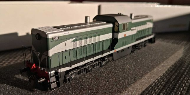 Locomotiva CP 1304 versão verde c/ faixa prateada NORBRASS