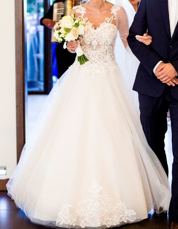 Suknia ślubna model 2019 salon Emily