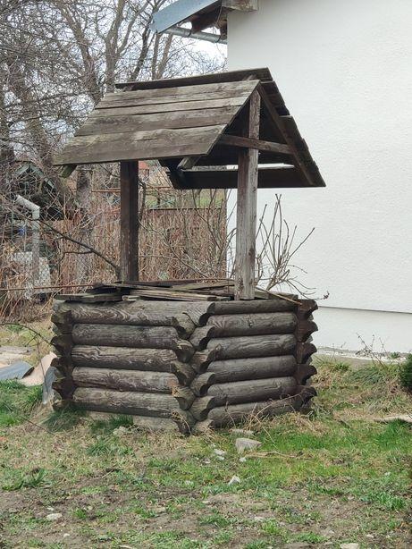 Колодязь криниця дерев'яна