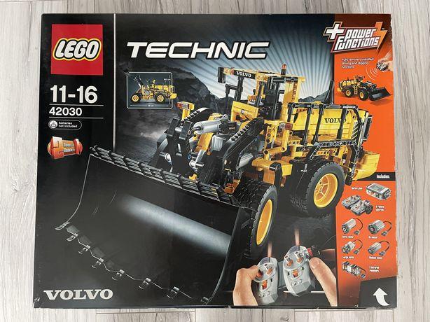 Nowy zestaw Lego Technic 42030 Volvo Koparka