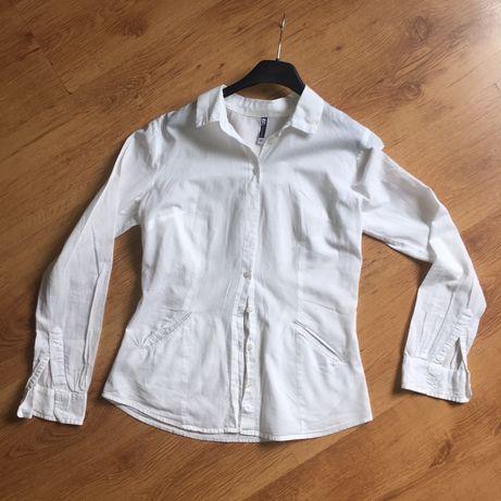 Biała koszula damska z kieszeniami streetwear vintage