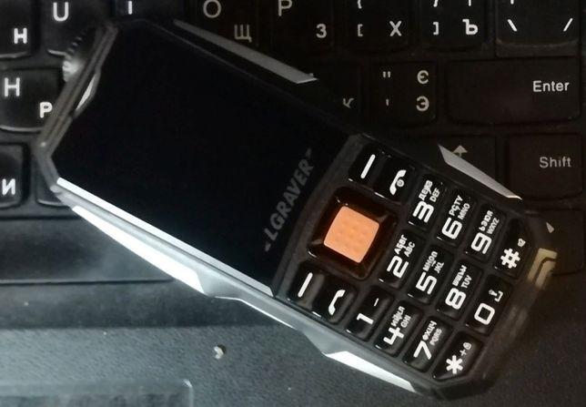 Противоударный телефон LG ROVER Q1-2 sim,батарея 2800m ОПЛАТА НА ПОЧТЕ