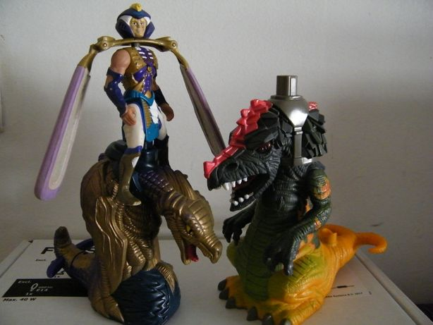 Bonecos Dragon Flyz, anos 90