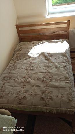 Łóżko drewniane plus materac