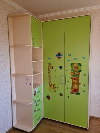Срочно продам хороший детский шкаф