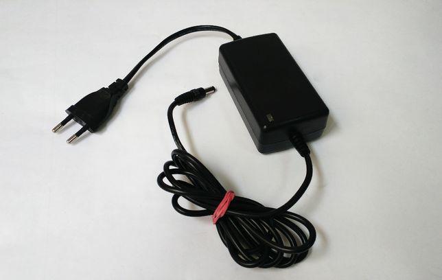 Блок питания 12V 2.3А, для видео наблюдения, LED лент