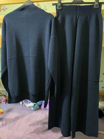 Костюм женский шерстяной теплый  темно синий  на рост 170см размер s