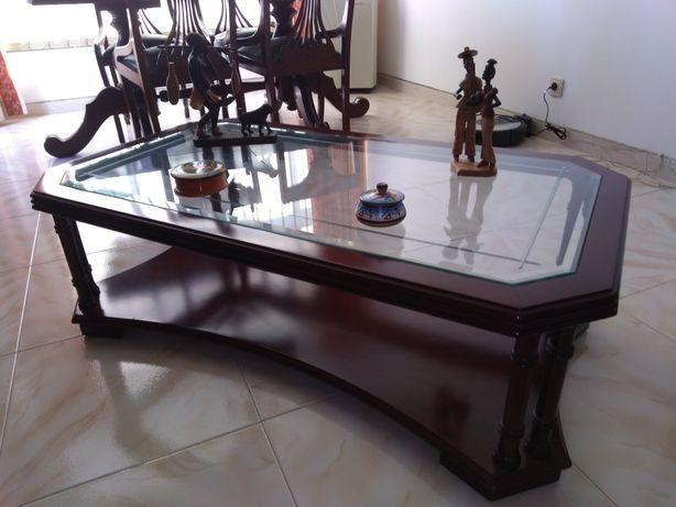 Mesa de centro 1,15m x 66 cm mogno e vidro facetado