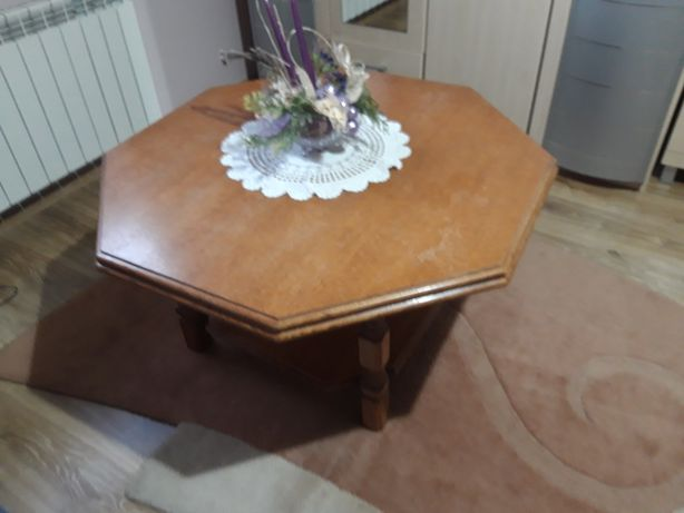 Sprzedam stół stolik