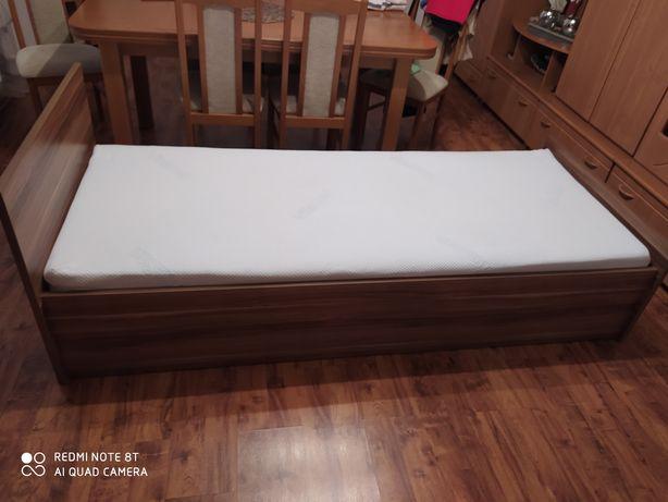 Sprzedam łóżko jednoosobowe z materacem