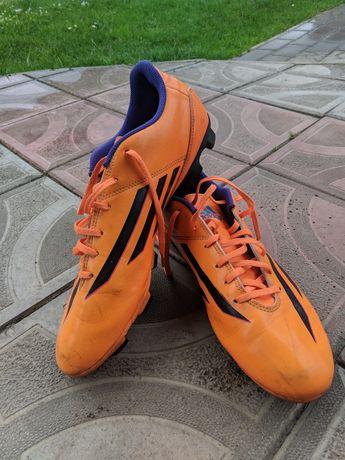 Футбольні бутси Adidas F5 (44 розмір)