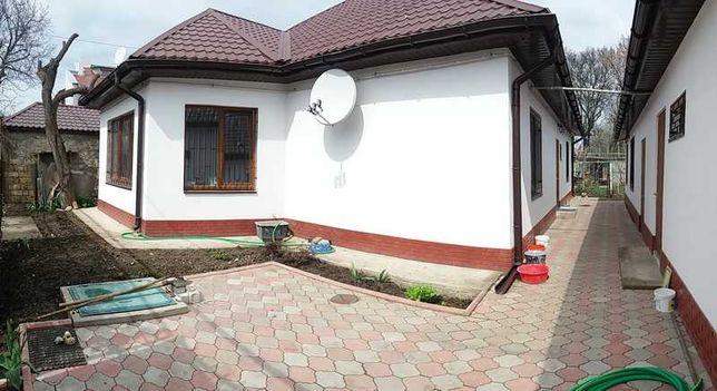 Продам два дома недалеко от моря и рощи в районе Даче Ковалевского