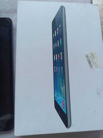 iPad mini рабочий б/у