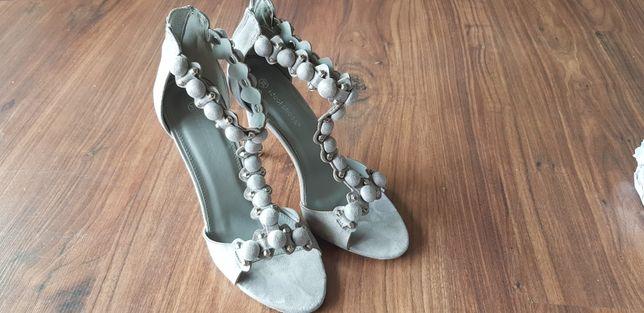 Buty sandały na obcasie 39