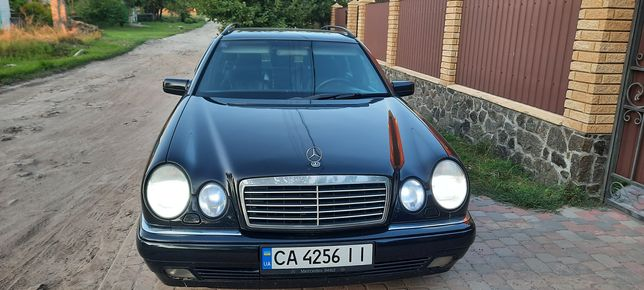 Mercedes-benz e240 98 год