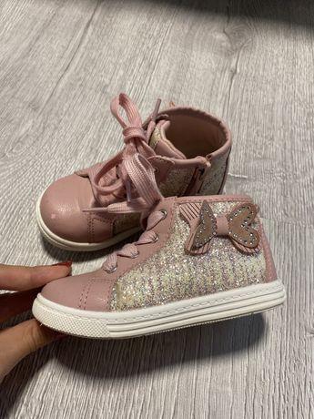 Продам ботинки Bi&Ki на девочку 23 рр