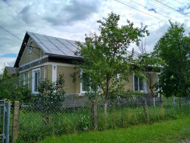 Будинок з ділянкою в селі Ожидів