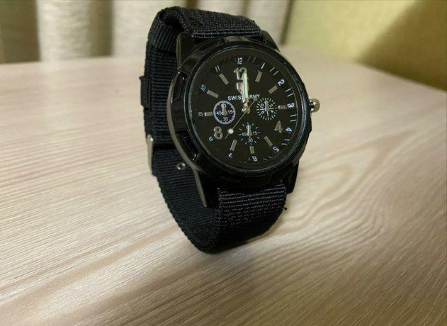 Мужские армейские часы трепяной надежный ремешок крепкий черные нові
