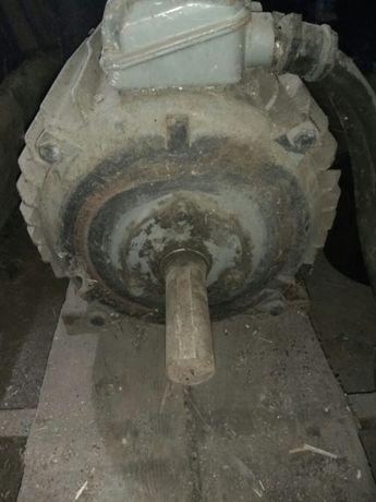 Silnik elektryczny 17 kw