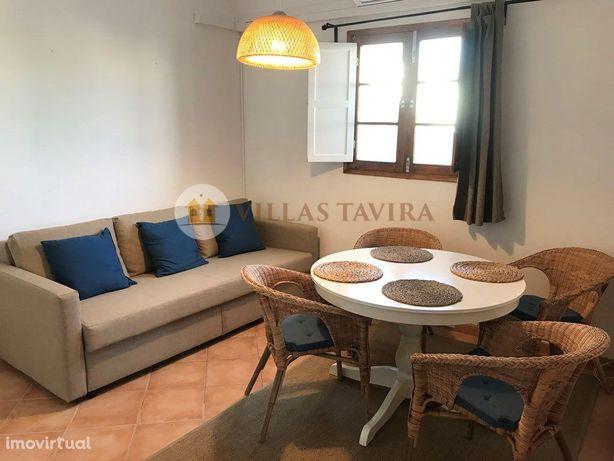 Prédio urbano com 2 apartamentos T1 - centro de Tavira