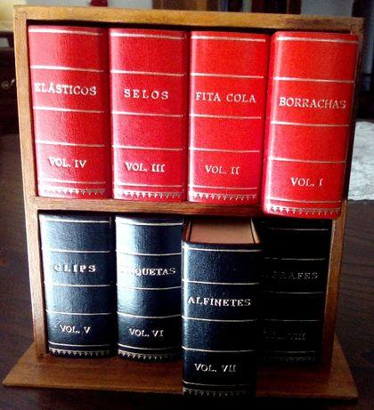 Organizador material escritório–ESTANTE MINI C LIVROS MINI(caixas)
