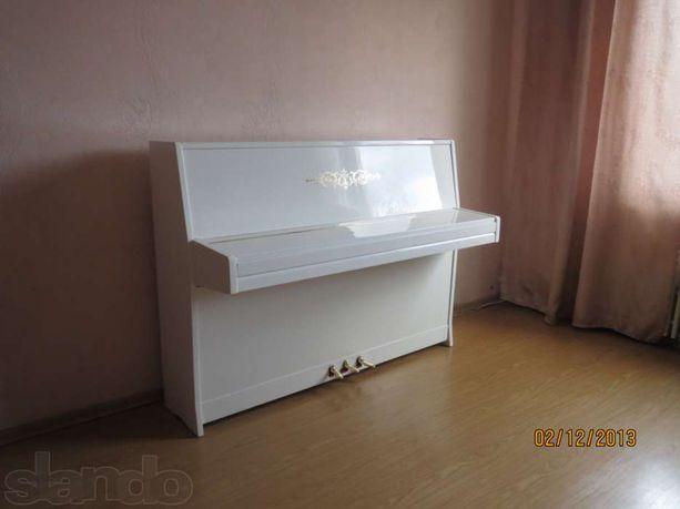Белое пианино(фортепиано), рояль