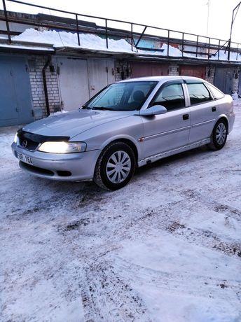 Opel Vectra B на полном ходу!
