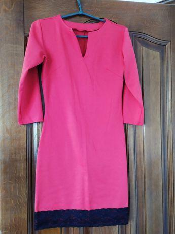 Сукня жіноча з мереживом