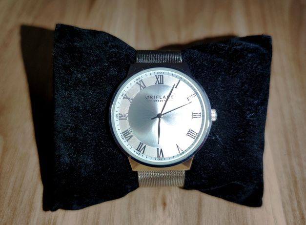 Elegancki zegarek męski - regulowana srebrna bransoleta